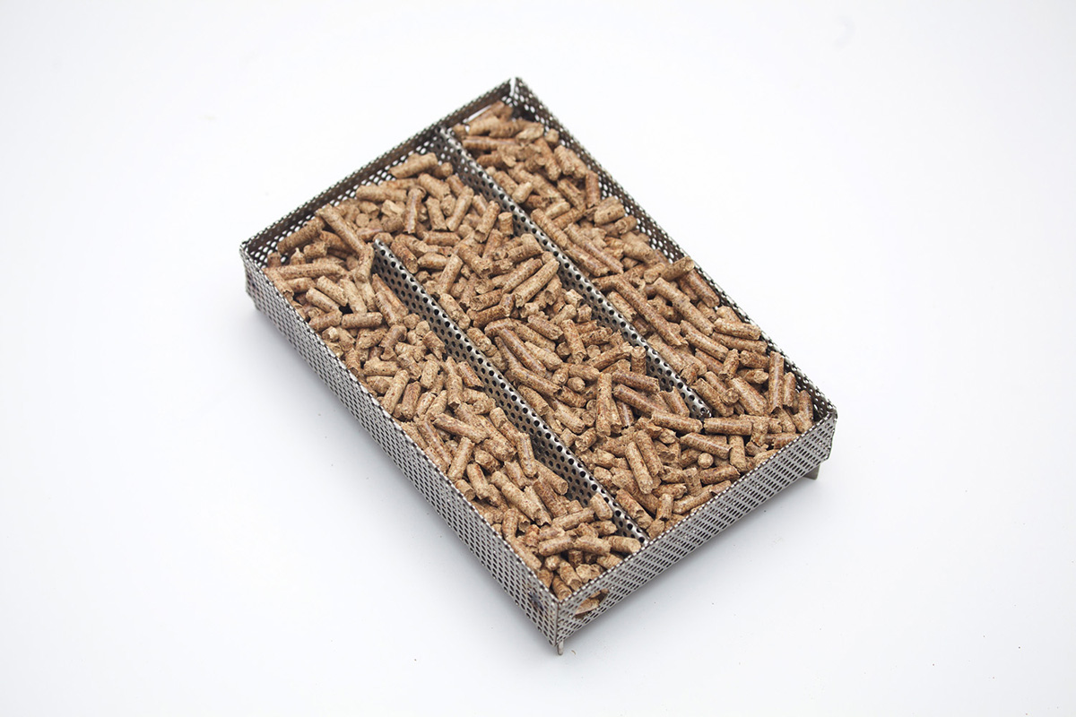A-MAZE-N-PELLET-SMOKER 5X8 W/ 2lb Bag of Pit Master Pellets